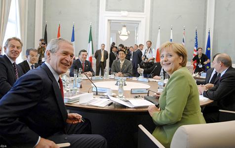 http://www.klimaforschung.net/greenpeace/G8-sitzung.jpg